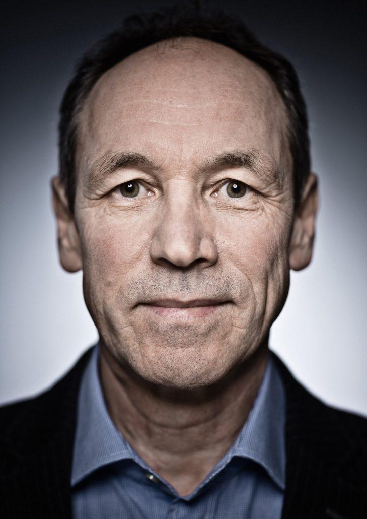 Ausdrucksstarkes CloseUp Portrait von Kraftverkehrsmeister Rudolf Meyer.